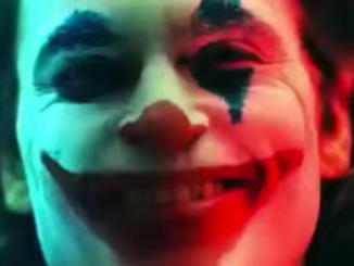 Joaquin Phoenix con il make-up del Joker